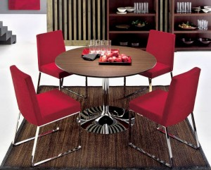 Selecting the Right Dining Table for My Small Dining Space